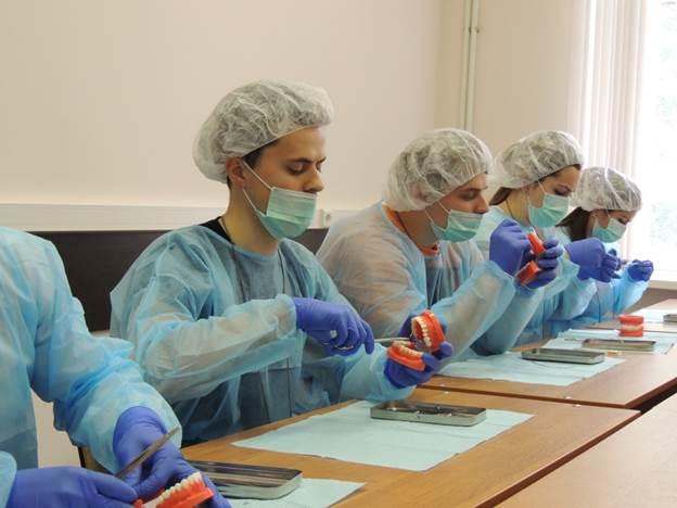 Изображение - Сколько в месяц зарабатывают врачи-стоматологи в москве how-much-do-dentists-earn-4
