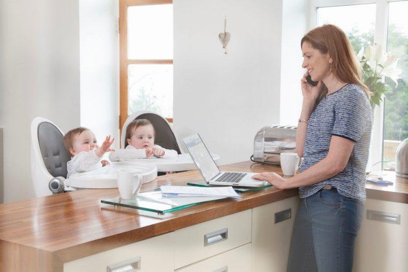 Как заработать в декрете — лучшие идеи заработка для мам